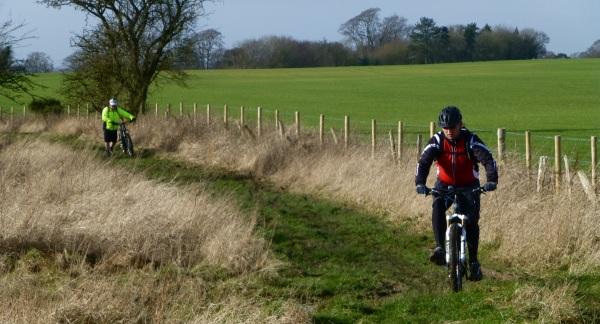 MB Swindon - Cherhill, Yatesbury, Avebury - Wiltshire